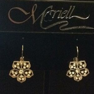 NWT filigree floral earrings on wire